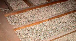Vermiculite insulation between attic joists