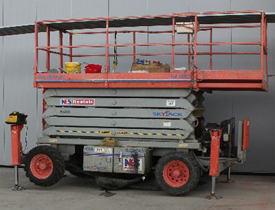 This is a picture of a scissor lift that would have been more appropriate for the job