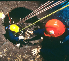 Photo of extraction of a worker from an enclosed space